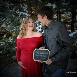 Bluff Country Photography - Winter Maternity Photos