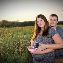 Tanner and Callie maternity photo 1