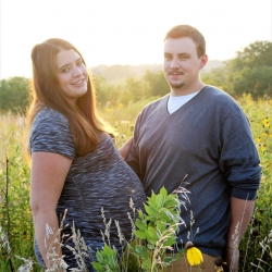 Tanner and Callie maternity photo 4